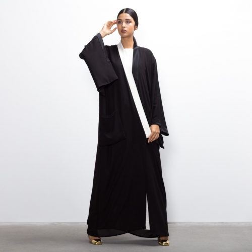 Sleek Black and White Collar kimono abaya